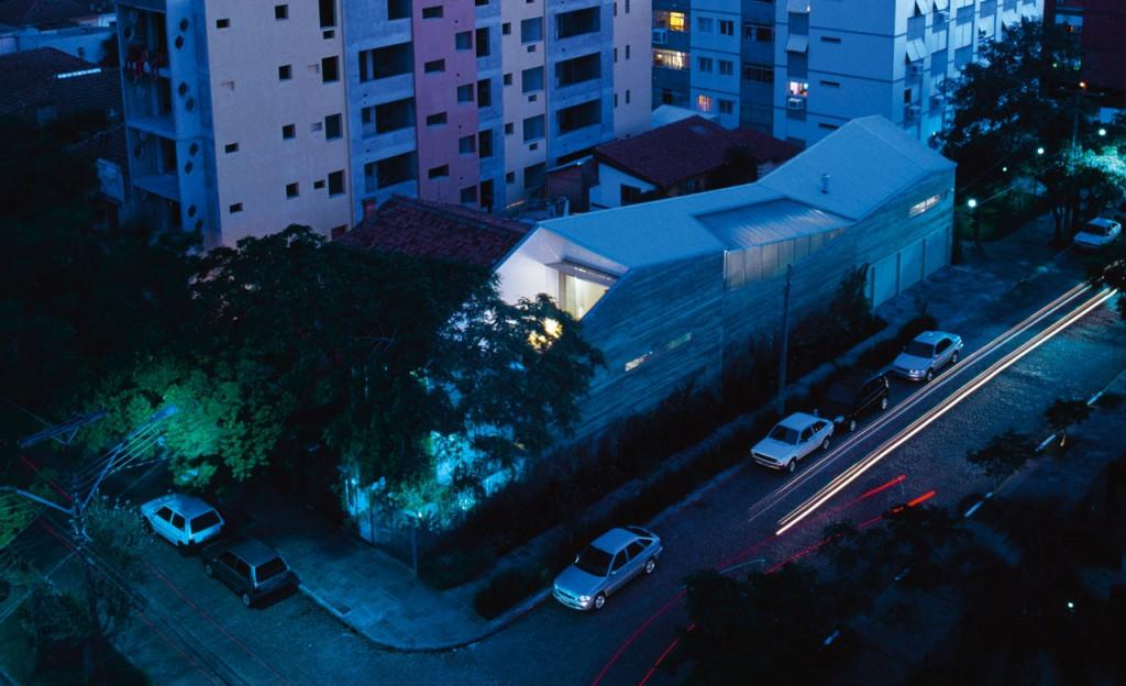 Slice House in Porto Alegre by Procter-Rihl Architects 001