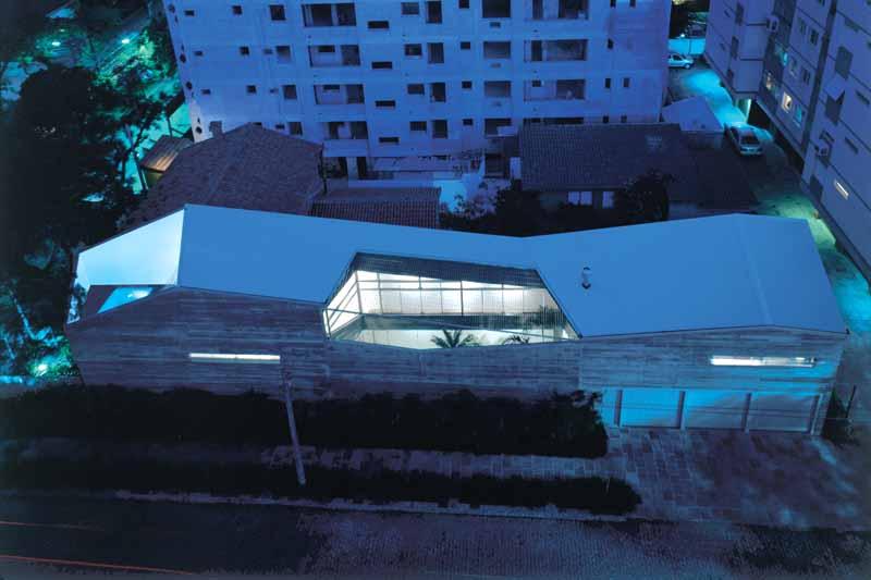 Slice House in Porto Alegre by Procter-Rihl Architects 013
